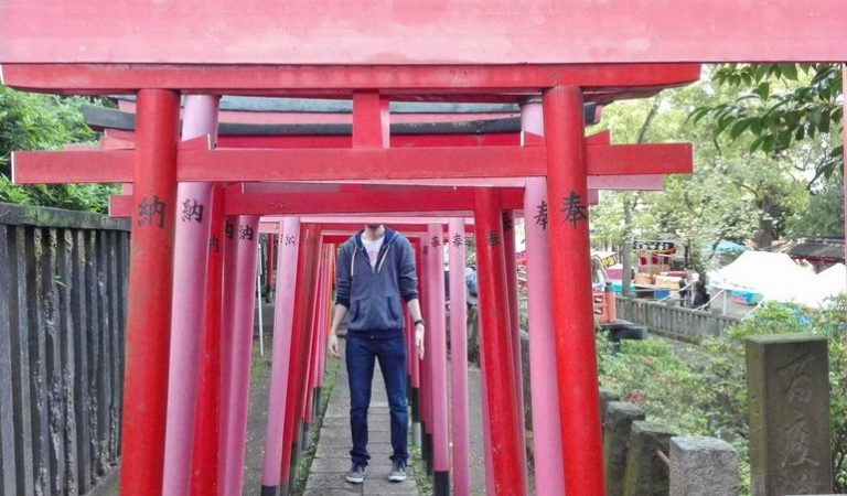 26 People Who Traveled To Japan And Found Out They Were Too Tall For It